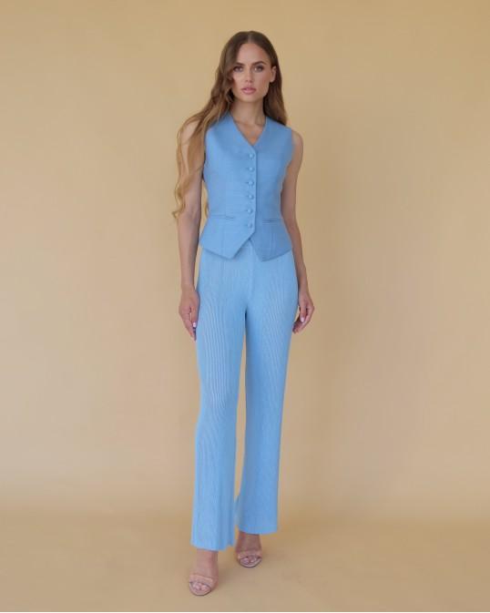 Голубая костюмная жилетка