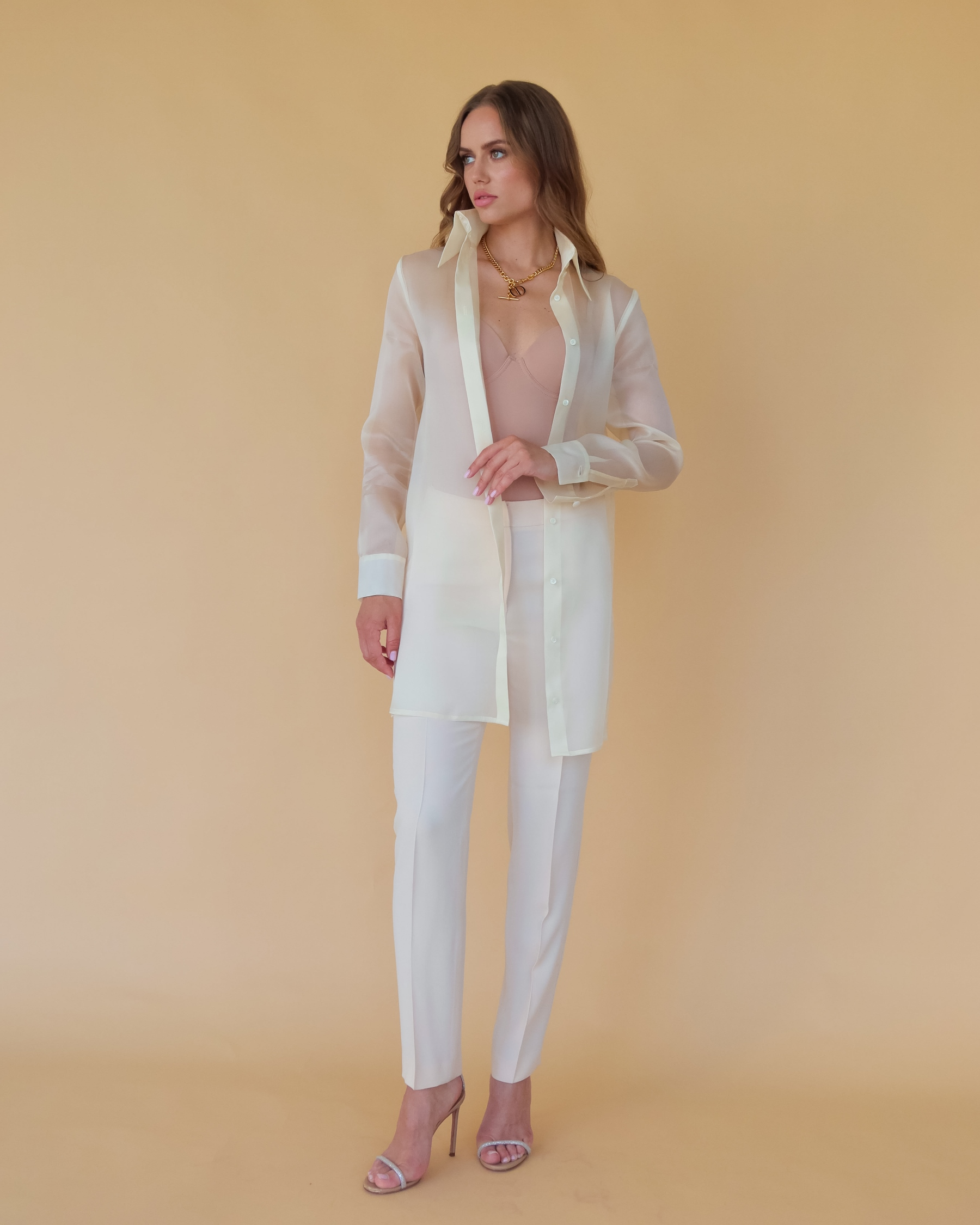 Удлиненная шелковая блуза из шелка органзы цвет шампанского