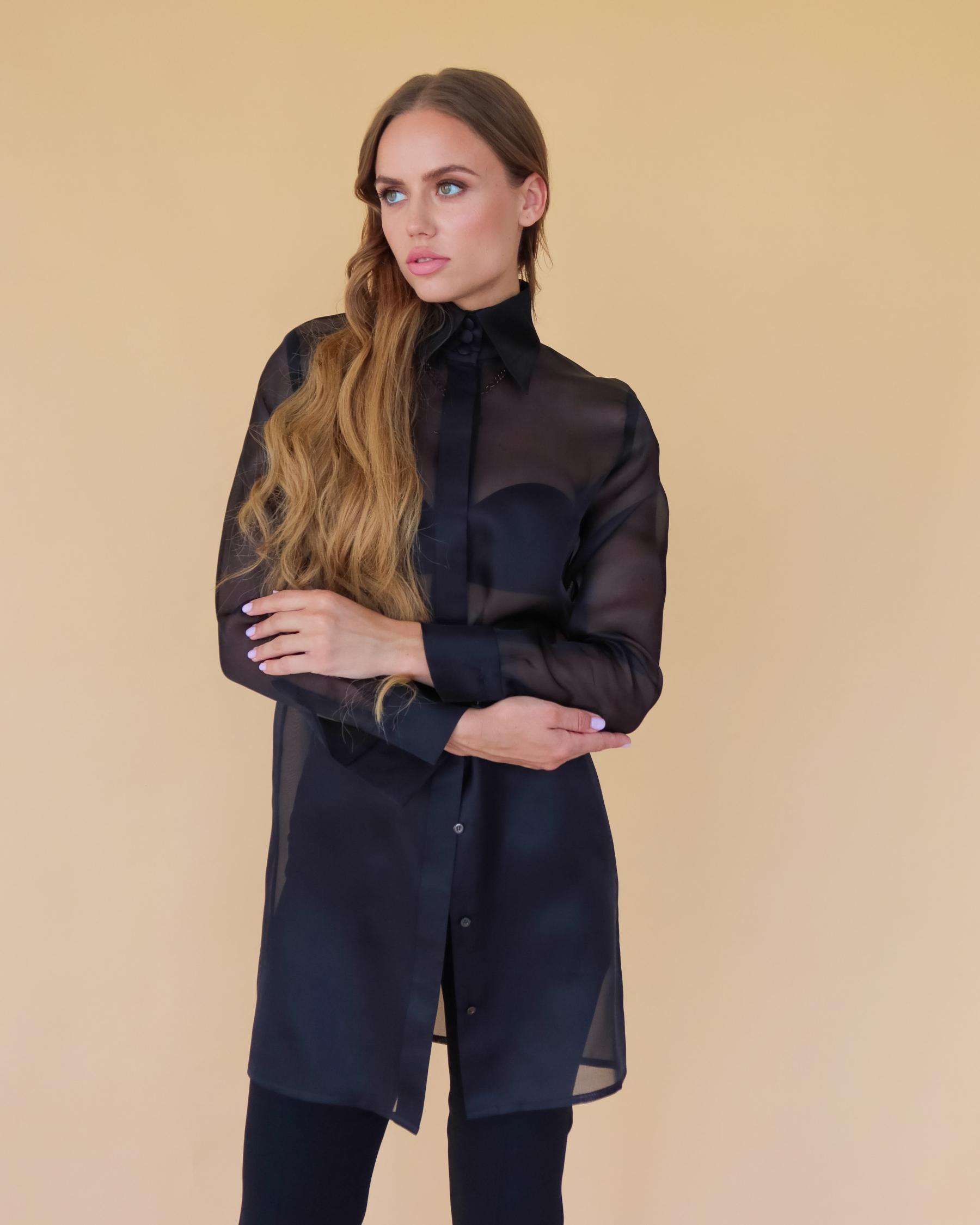 Удлиненная шелковая блуза из шелка органзы черная