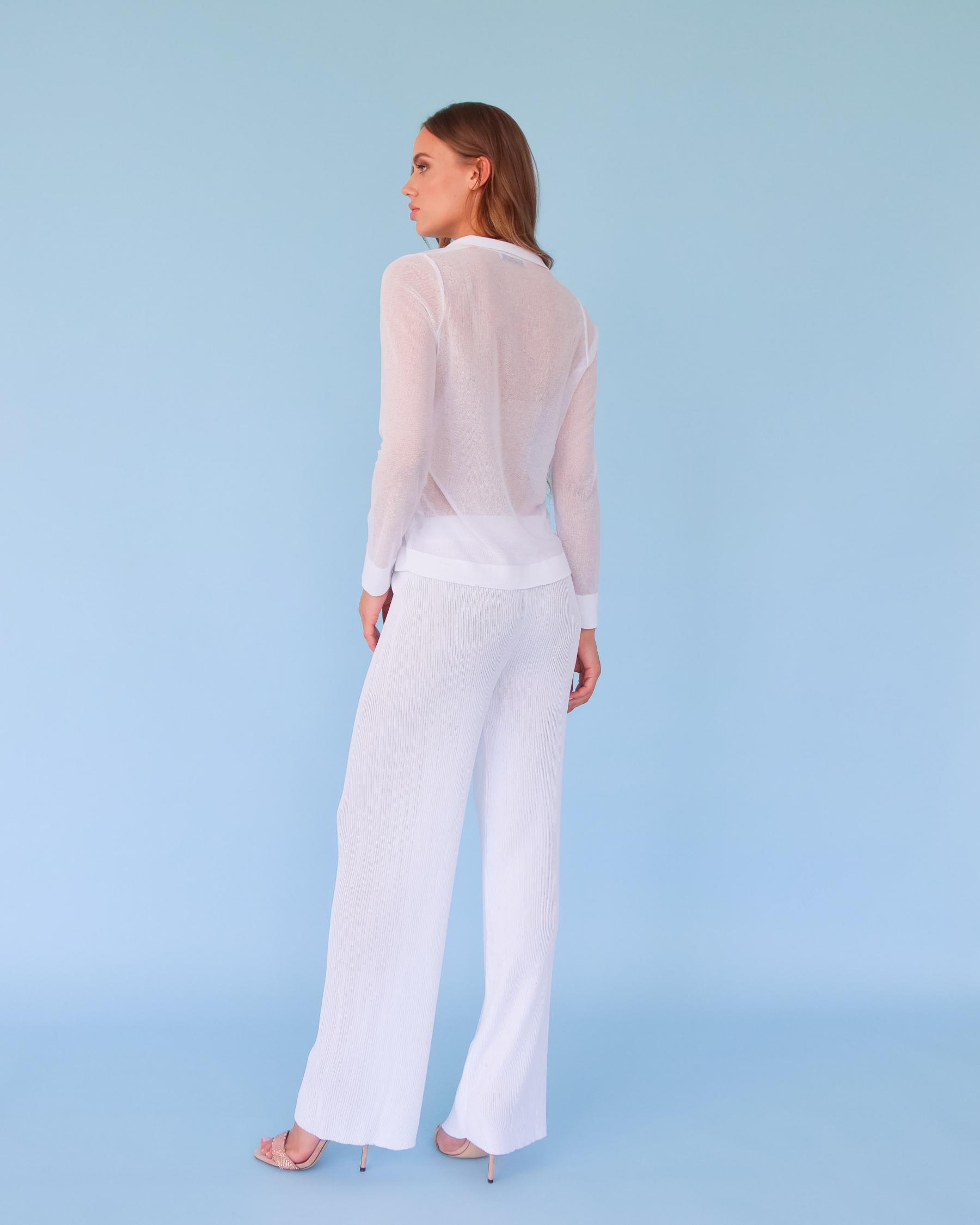 Легкая вязаная рубашка из вискозы белая