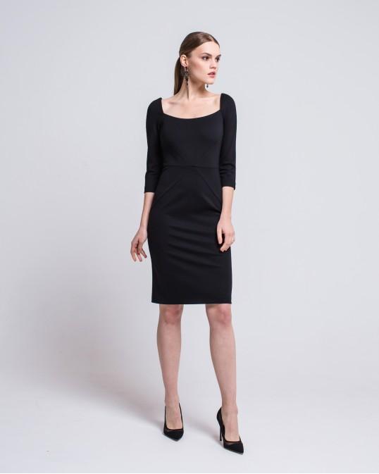 Приталенное платье с квадратным вырезом