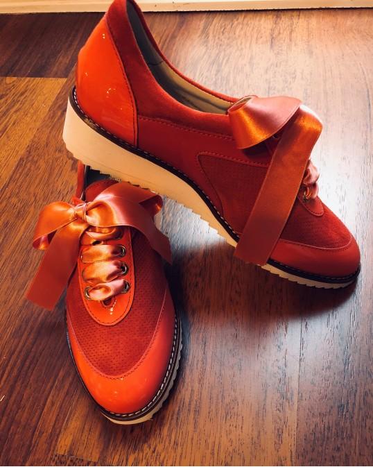 Обувь и аксессуары