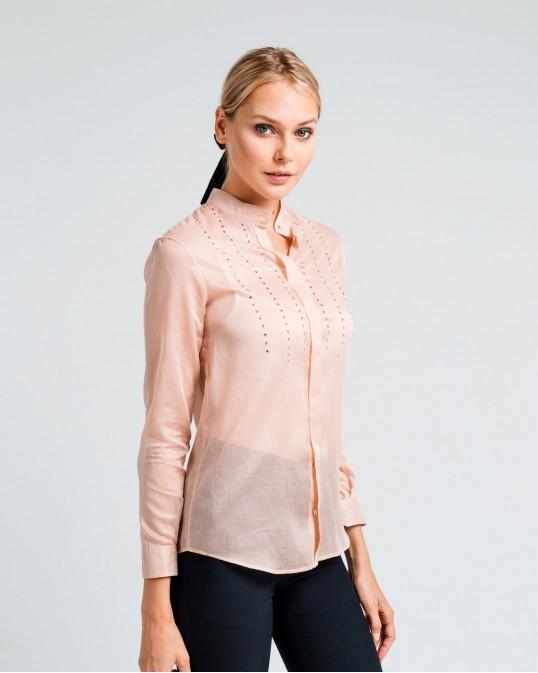 Прямая рубашка из легкого батиста с шелком украшенная стразами