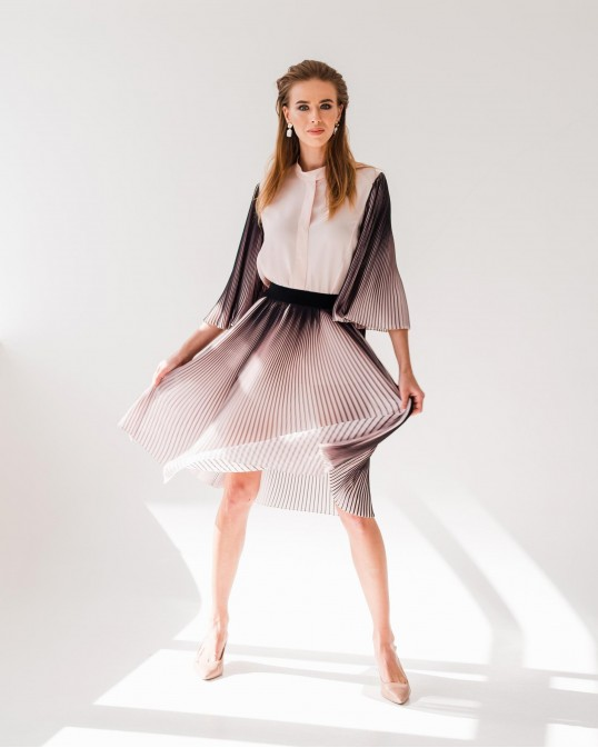 Шелковая блуза с рукавами плиссе